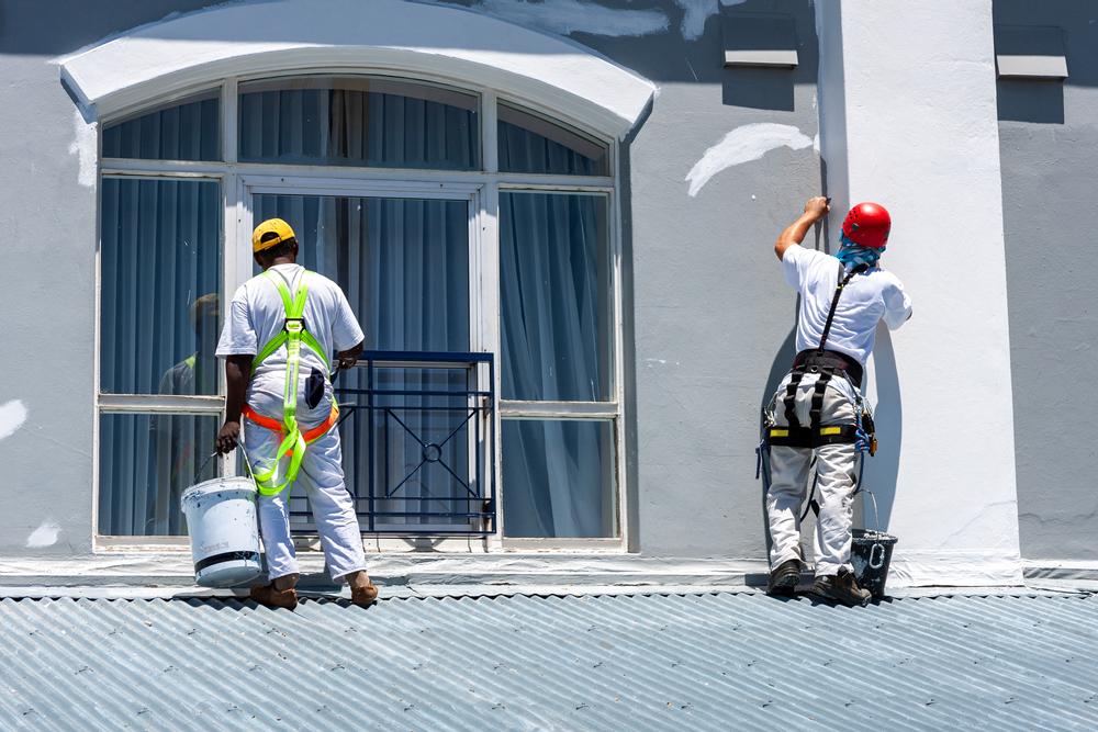 exterior painting crew